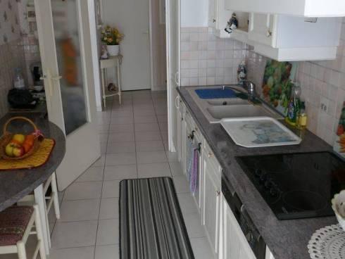 Appartement f4 avec Parking   3  mn de la  Plage Viager Occupé le Lavandou