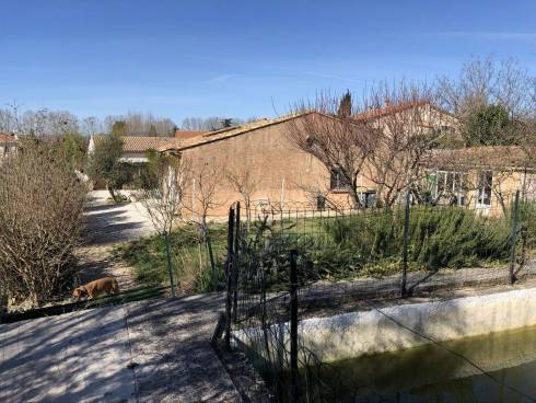 Villa F4 + Studio sur 837m² de Terrain