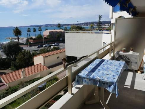 Grand Studio avec Terrasse et Parking Vue Mer Cagnes sur Mer,Viager Occupé