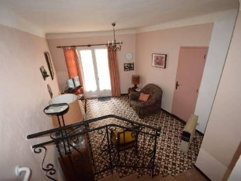 Maison de village à Vins-sur-Caramy (83170)