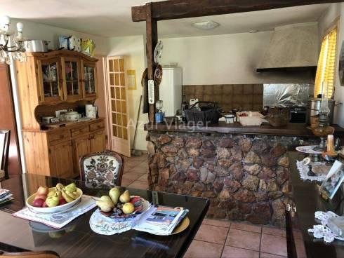 Maison F4 + Garage et Piscine sur 1600m² de terrain - Sect Calm et Résidentiel