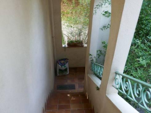 Appartement f5 dans Villa,+Studio et moitié de Jardin avec Piscine dans Belle Villa St Raphael ,Viager sans rente,82 et 75 ans.