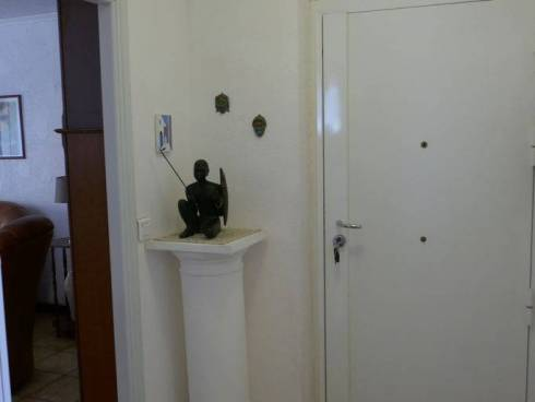Appartement,f4,Antibes,Secteur Combes,Viager Occupé.