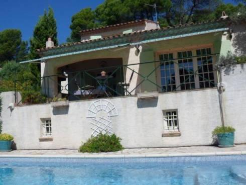 Propriété à Roquebrune-sur-Argens