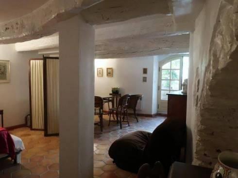 Maison de village à Claviers