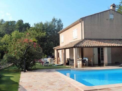 Villa à Montferrat