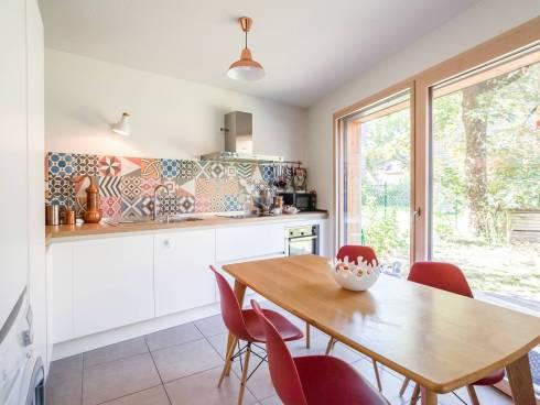 Grenoble, bel appartement de 77 m² en rez de jardin