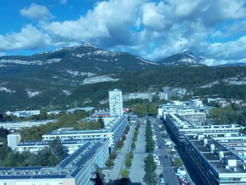 Chambéry appartement T3 vue exceptionnelle ville et montagnes