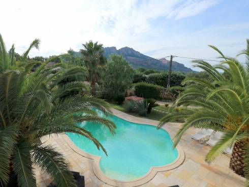 Villa avec piscine et vue Rocher à Roquebrune sur Argens