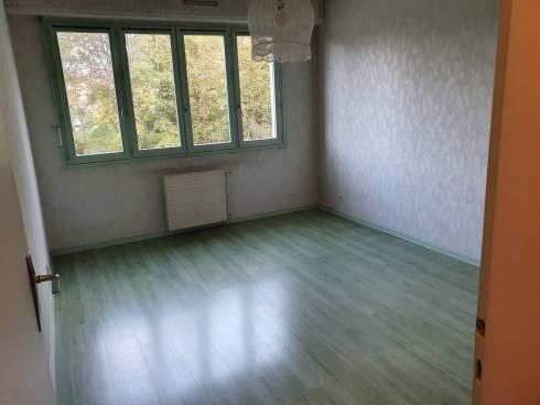 MOIRANS appartement T4 avec terrasse dans une copro de qualité