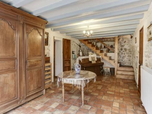 St Vincent de Mercuze, maison de caractère de 260 m² au calme