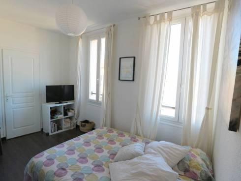 Spacieux appartement rénové au 2ème et dernier étage