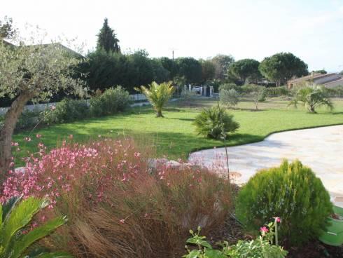 VILLA de 146 m² au calme sur 1800 m² de terrain avec piscine