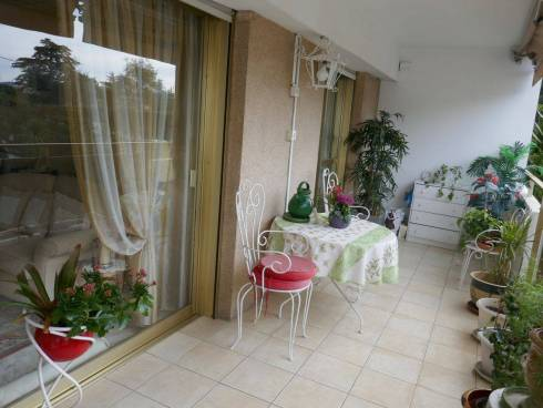 Appartement,f3,Avec Terrasse,Cannes Montrose ,Viager Occupé,Dame de 87 ans.