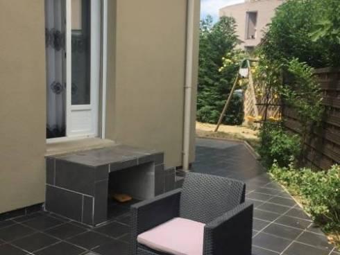 Grenoble, maison de ville avec joli jardin