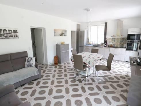SOUS OFFRE - Villa en parfait état sur env. 2000m² de terrain