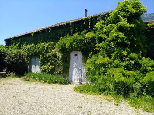 Meylan, Appartement en rez de jardin dans une belle bâtisse