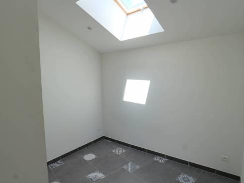 SOUS COMPROMIS - Studio avec chambrette en parfait état