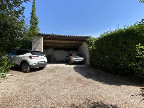 Villa F4 sur 2000m² de terrain arboré avec piscine