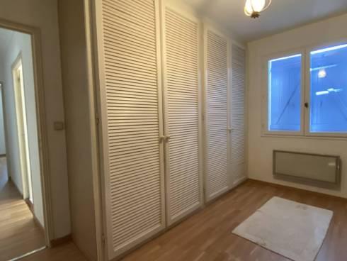 Villa de 203m² sur 1350m² de Terrain Plat à 2mn du Centre Village