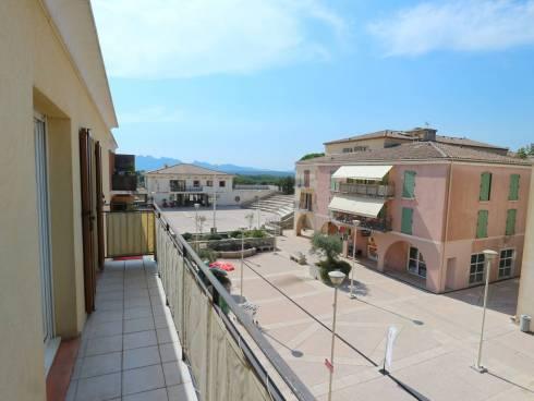 SOUS COMPROMIS - T3 avec balcon et parking au 2ème et dernier étage.