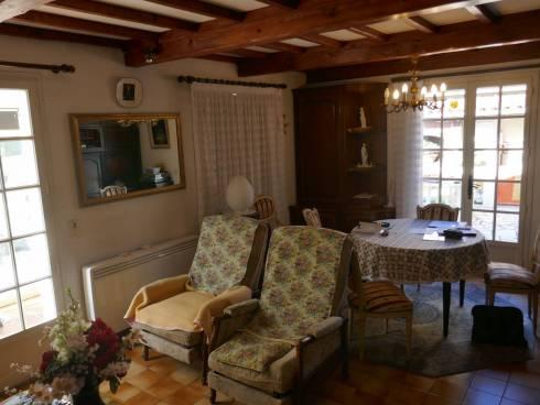 Villa,f3 avec Garage ,St Maxime,5mn Plage et centre ville, Viager Occupé ,Mr 93 ans.
