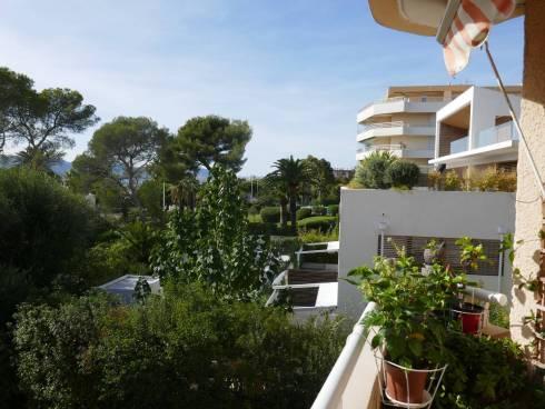 Appartement,f2,avec terrasse ,Vue Mer, Santa Lucia ,Saint Raphael ,Mr 90 ans et Mme 81 ans.