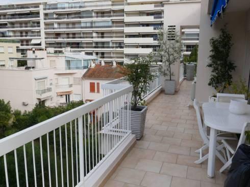 Appartement,F3,Cannes Alexandre III ,Viager Occupé ,Dame de 76 ans.