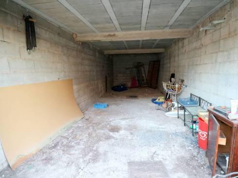 Spacieux duplex avec terrasse, solarium, vue, garage et terrain