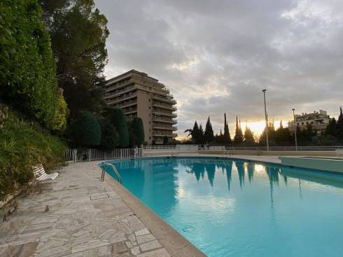 Viager Occupé, Dame 89 ans ,Appartement f2 Grand Standing Cannes Oxford ,Piscine et Tennis