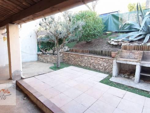 SOUS COMPROMIS - Maison T4 avec garage, terrasse-jardinet
