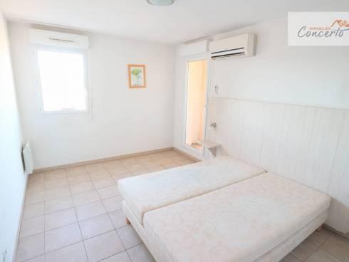 SOUS COMPROMIS Appartement T3 dans résidence avec piscine + terrasse + 2 parkings