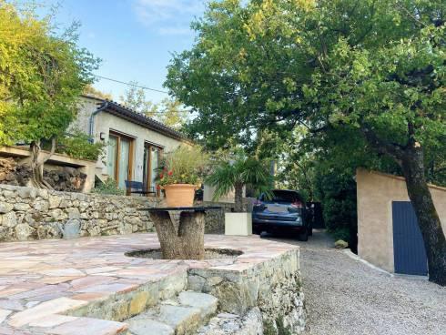 SOUS COMPROMIS - Villa de plain-pied proche village