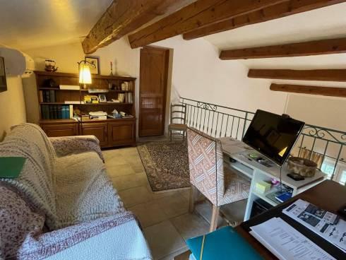 Villa environ f5 Mons ,Var, Viager libre ,Dame de 83 ans.