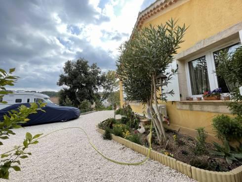 Villa F5 avec Garage sur 1000m² de Terrain.