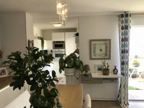 Appartement,f2,St Raphael ,Bon Standing et récent ,Viager Libre,75 et 71 ans.