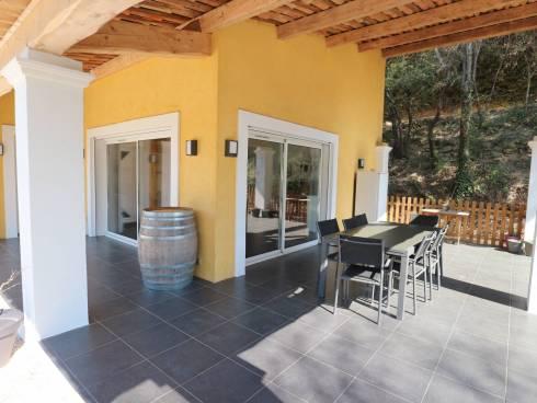 Spacieuse villa contemporaine dans un secteur convoité