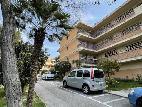 Appartement F4/5 avec Loggia et Place de Parking