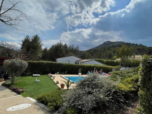 Villa F4 + Studio avec piscine à seulement quelques minutes à pied des splendides gorges de Caramy