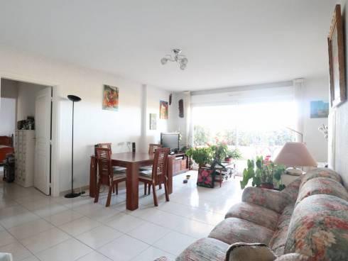 Appartement T3 de 75 m² avec terrasse, garage + place de parking