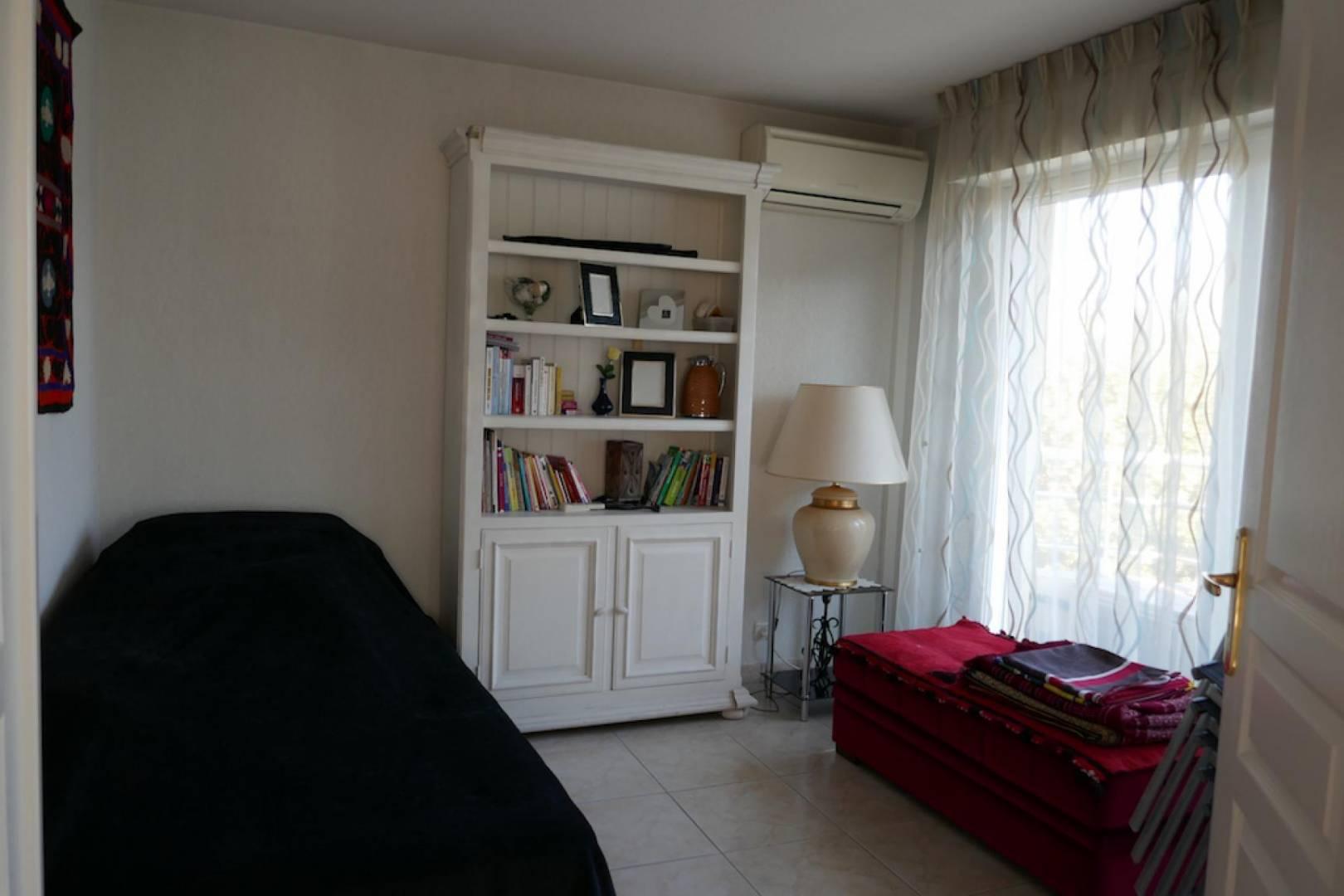 appartement saint rapha l 83700 vente terme libre saint rapha l. Black Bedroom Furniture Sets. Home Design Ideas