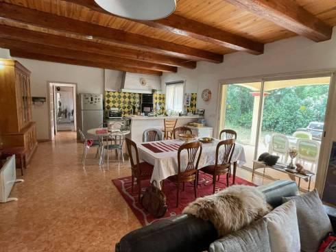 Villa F3 + Studio sur Terrain de 1300m².