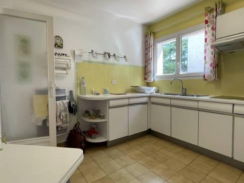 Villa F4 sur terrain de 524 m²  à SIX fours les Plages / Sanary sur Mer, 500m de la Plage ,Dame de 89 ans