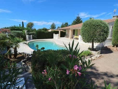 SOUS COMPROMIS - Villa de plain-pied avec jardin et piscine