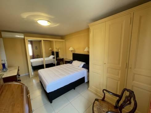 Appartement,f4,Centre Ville St Raphael, Plage et Centre ville à pieds, Viager Occupé , 78 et 80 ans