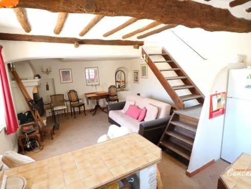 Maison de village avec terrasse et cachet