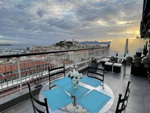 Parmi les plus belles vues MER sur la Baie de Cannes ! Appt F3 avec Terrasse + Garage ☀️