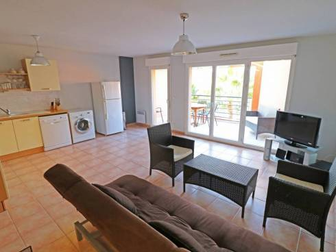 APPARTEMENT + GARAGE SAINT CYR SUR MER 83270