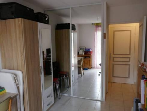 Appartement F3 avec 2 Garages.