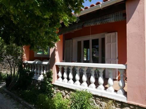 Villa f5  avec Garage et Jardin  Proche Chateauvallon